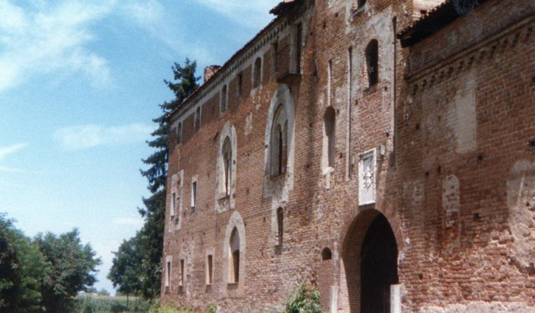 "The Castello della Rotta: the most ""haunted"" place in the province of Turin"