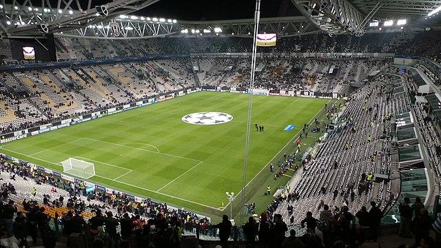 Derby Torino Juventus: un tifoso mima la caduta di un aereo. Il questore emette un DASPO di 2 anni