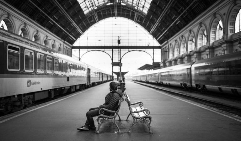Studente vessato e ricattato in treno per un anno. Gli avevano estorto oltre 4.000 euro