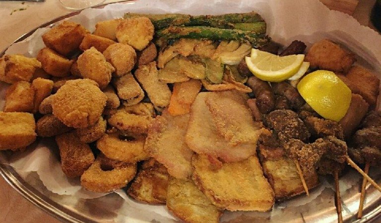 Il fritto misto piemontese: una tradizione tutta contadina. Quali sono i locali migliori?