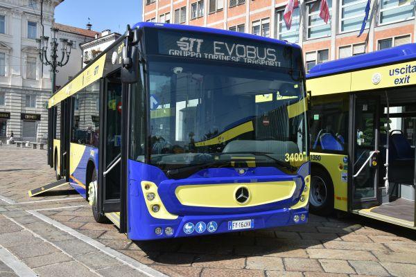 Autobus GTT il vetro va in frantumi dopo una frenata