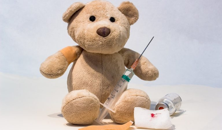"""Genitori e vaccini: un conflitto che sta portando alla chiusura di scuole a favore di strutture """"parallele"""""""