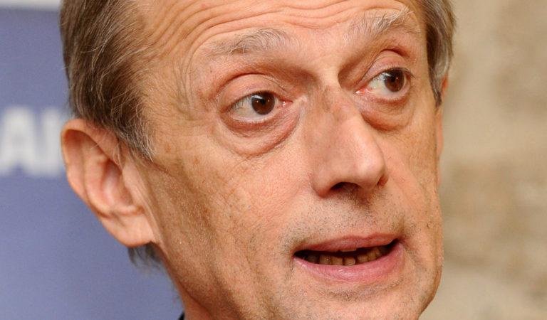 Fassino si dimette da consigliere di Torino. «Un affettuoso grazie ai torinesi»