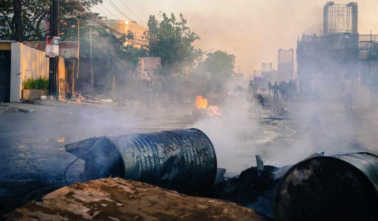 Basta con i roghi Rom: si scatena la protesta dei torinesi esasperati
