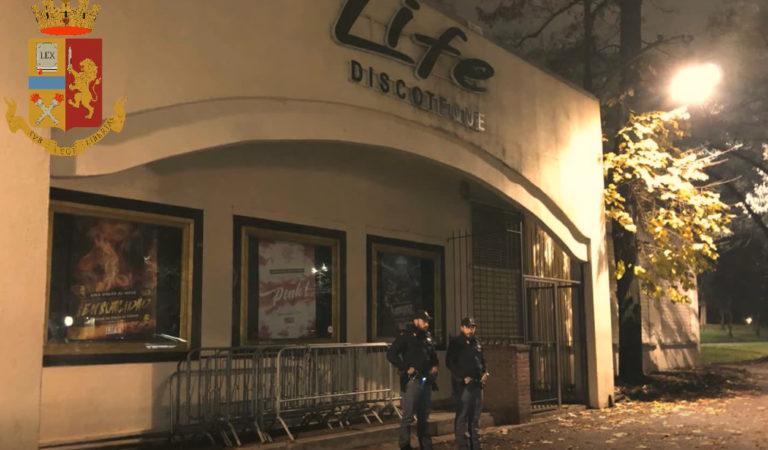 Torino, la polizia dispone la chiusura della discoteca Life: nel locale furti, atti di violenza e gravi irregolarità