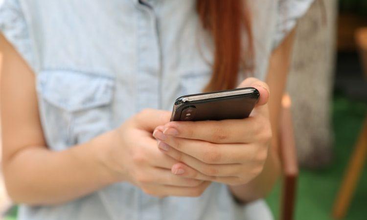 Un'app per controllare l'uso degli smartphone dei vostri non-più-bambini
