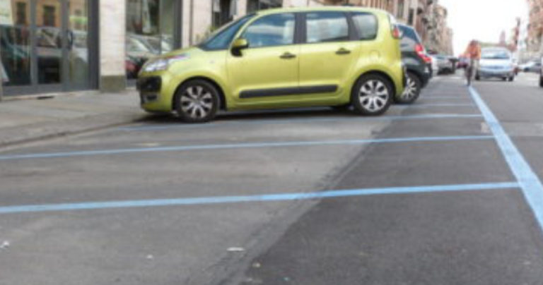 Strisce blu giorni festivi Torino
