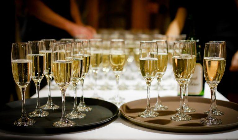 Champagne per festeggiare? Meglio un Alta Langa!
