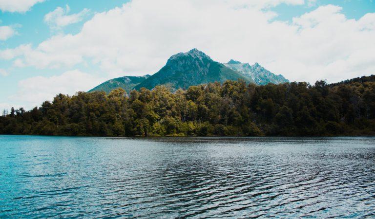 Uno scenario da favola per passeggiate e sport d'acqua a pochi chilometri da Torino? Il lago di Ceresole reale