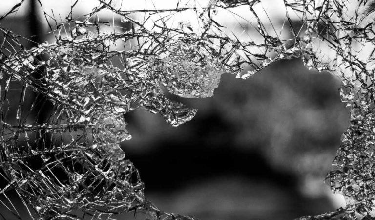 Bus Gtt Torino: esplodono tutti i vetri nell'incidente