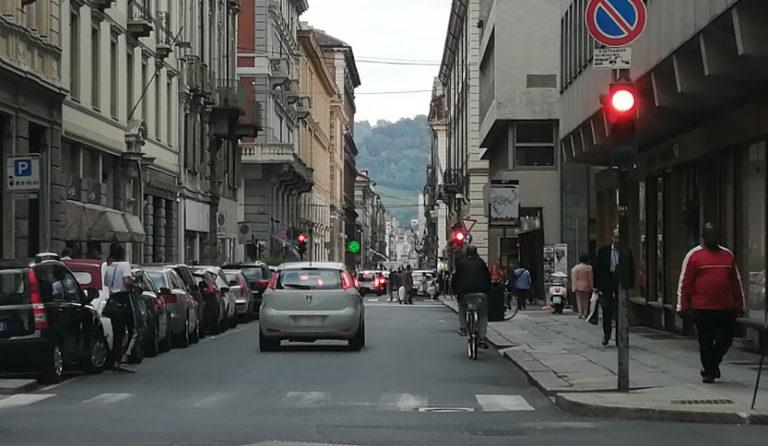 Limitazioni traffico semaforo viola Torino