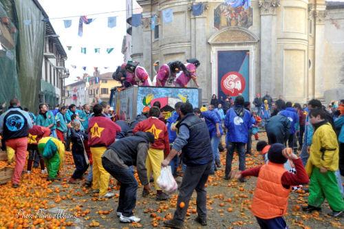 Un momento del Carnevale di Albiano d'Ivrea