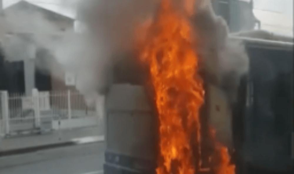 Autobus GTT a fuoco