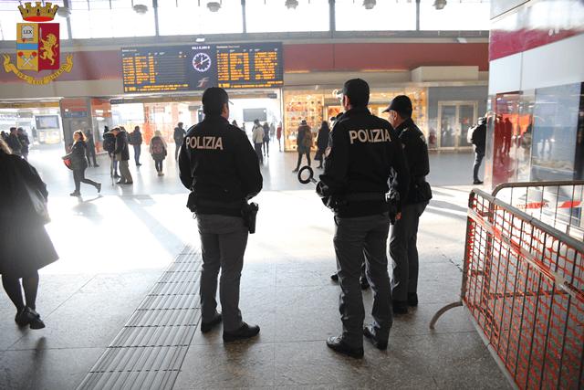 Violenza sessuale treno Torino Bardonecchia