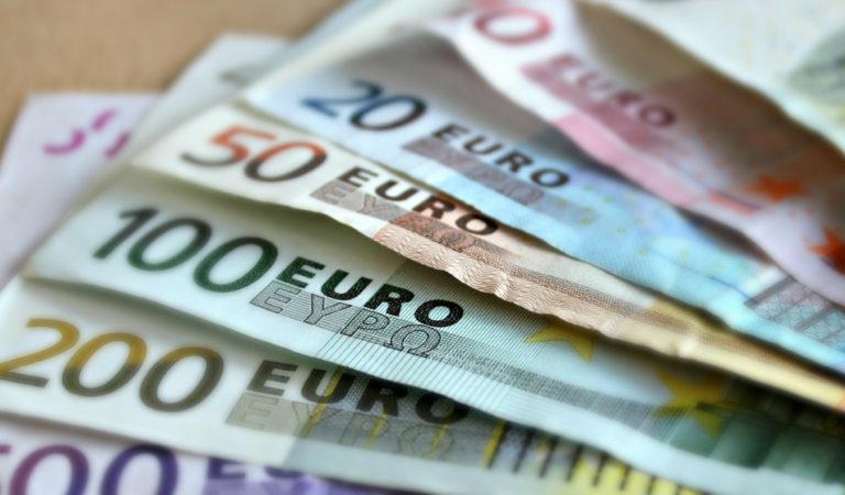 30 milioni di euro per l'emergenza cibo: a chi andranno i buoni spesa?