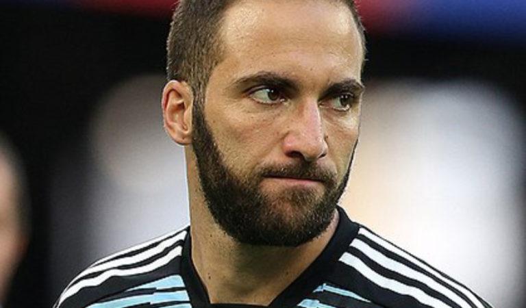 I tormenti dell'attaccante della Juventus Higuain, troppi dubbi sul suo ritorno in Italia
