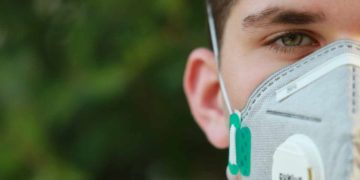 Multa da 500 euro a chi esce senza mascherina