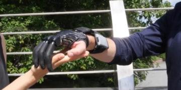mano bionica Marco Bucci