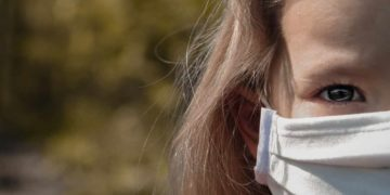 Obbligo mascherine all'aperto in Piemonte