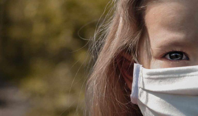 Mascherine obbligatorie anche all'aperto in Piemonte: effetto collaterale della movida