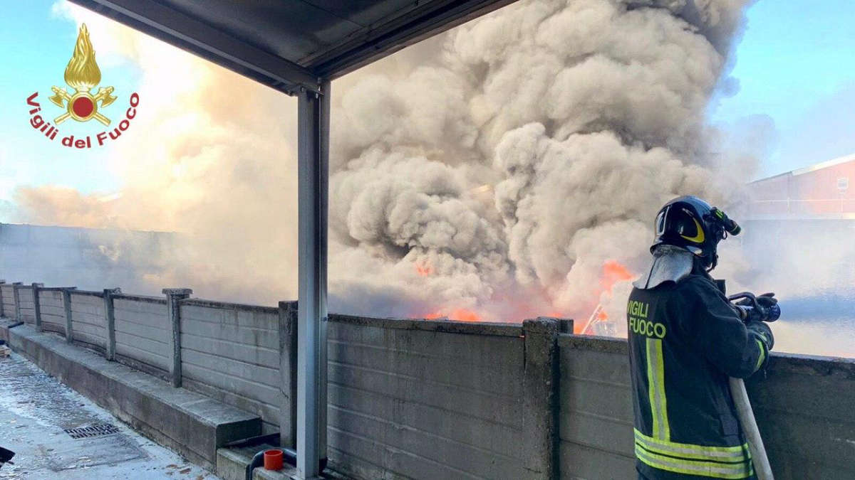Incendio a Settimo Torinese