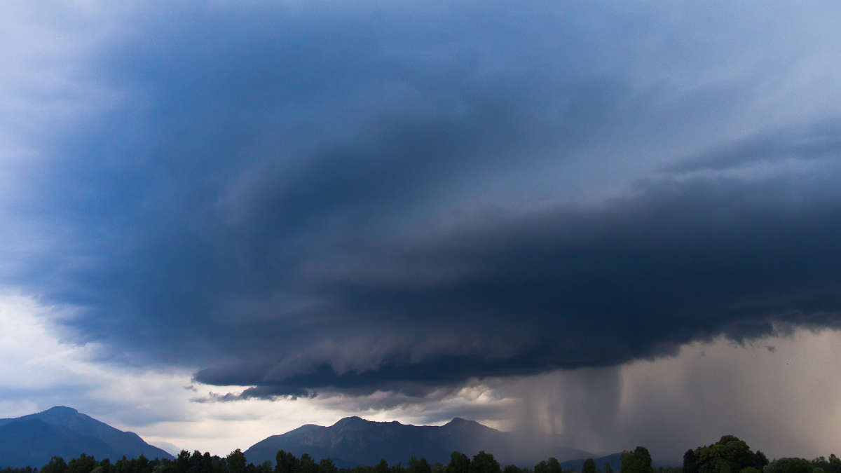 Maltempo e meteo in Piemonte: allerta gialla per temporali su 2/3 della Regione