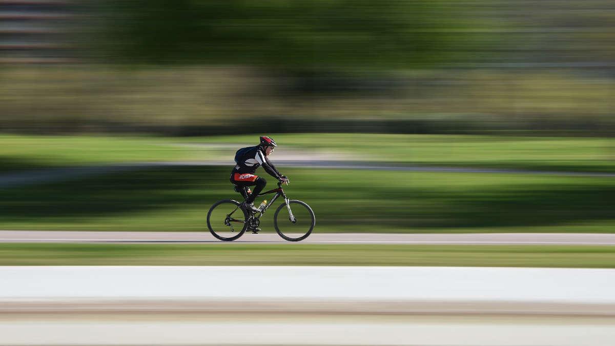 In bici sulla tangenziale di Torino