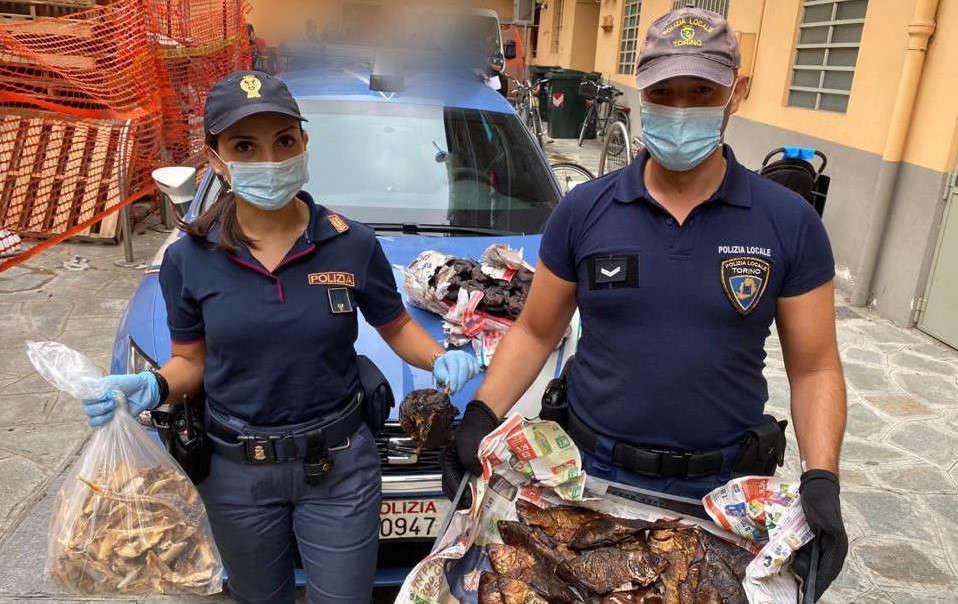 Sequestro alimenti a Porta Palazzo