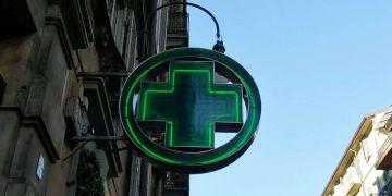 Rapina in farmacia a Torino