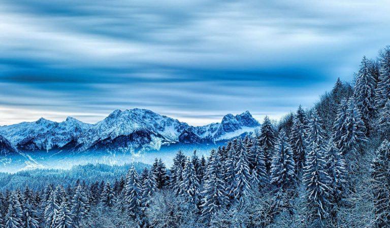 Maltempo e freddo: prima neve in Piemonte, imbiancata Sestriere