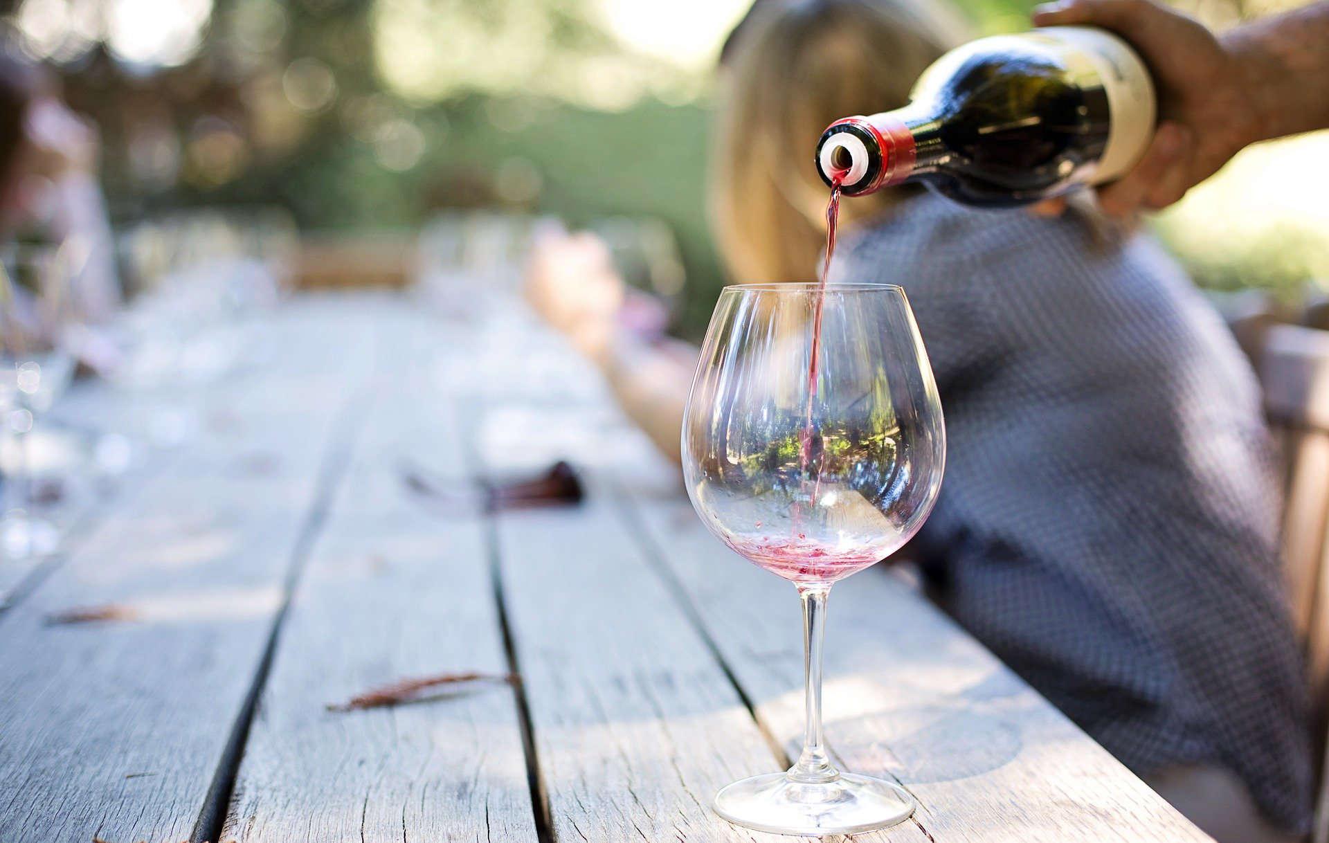 Passione vino per gli italiani