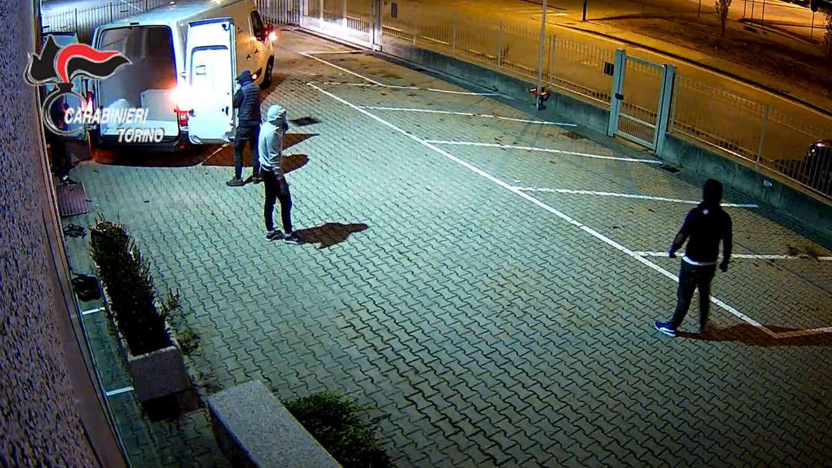 Sgominata banda di assalti notturni a Torino