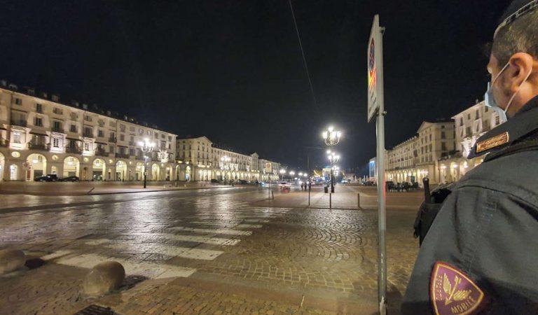 Movida a Torino, nuovi controlli della Polizia: locali chiusi e multe