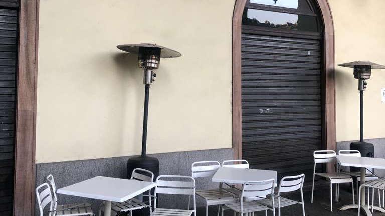 Bar e ristoranti chiudono alle 18 a Torino