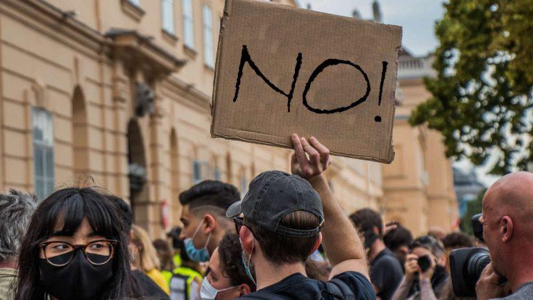 Proteste a Torino contro il Dpcm