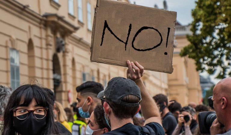 """""""Vogliono un lockdown!"""", Torino vuol tornare in piazza domenica"""