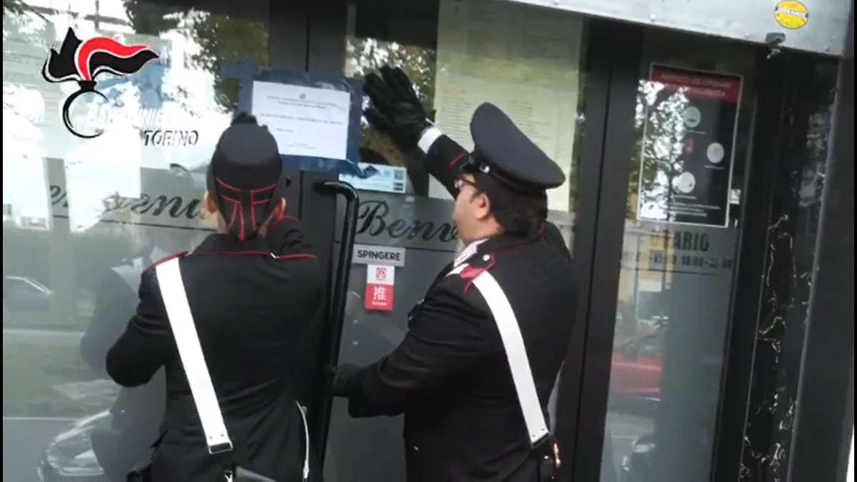 Rissa a Torino: carabinieri chiudono ristorante