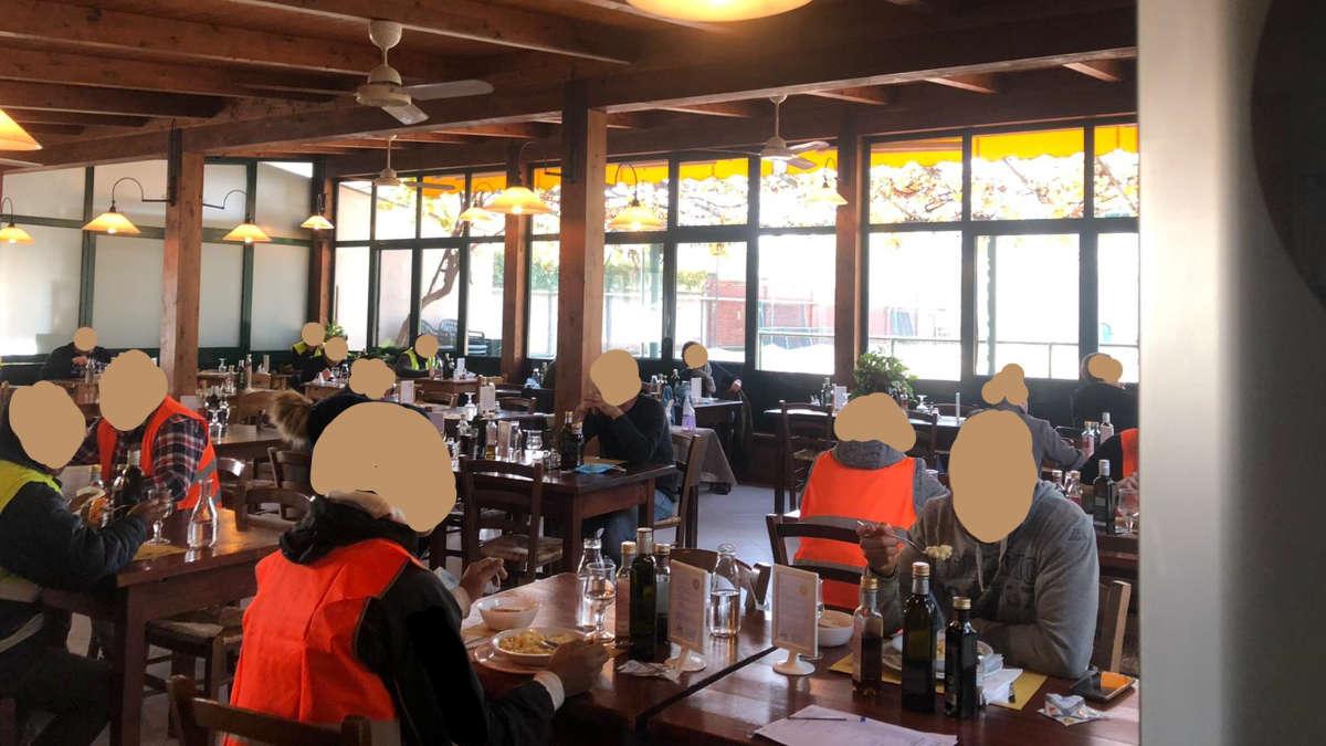 Ristorante serviva ai tavoli nonostante il divieto a Torino
