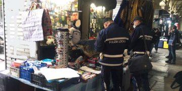 Chioschi abusivi in via Nizza a Torino