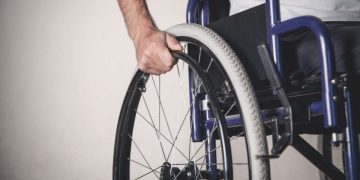 Bastonate a disabile a Torino
