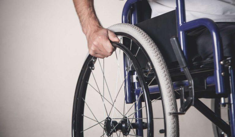 Torino, bastonate a un disabile: arrestata la badante