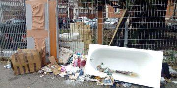 Discarica abusiva in via Pirano a Torino