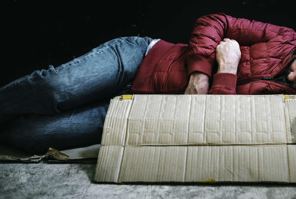 Morto senzatetto a Torino