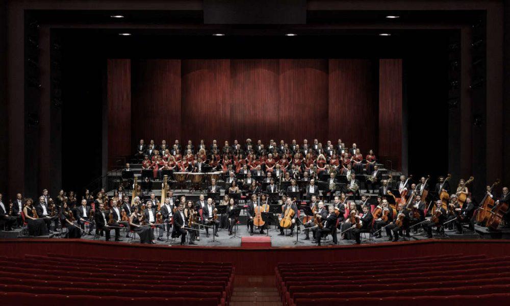 Orchestra e Coro Teatro Regio Torino foto Edoardo Piva