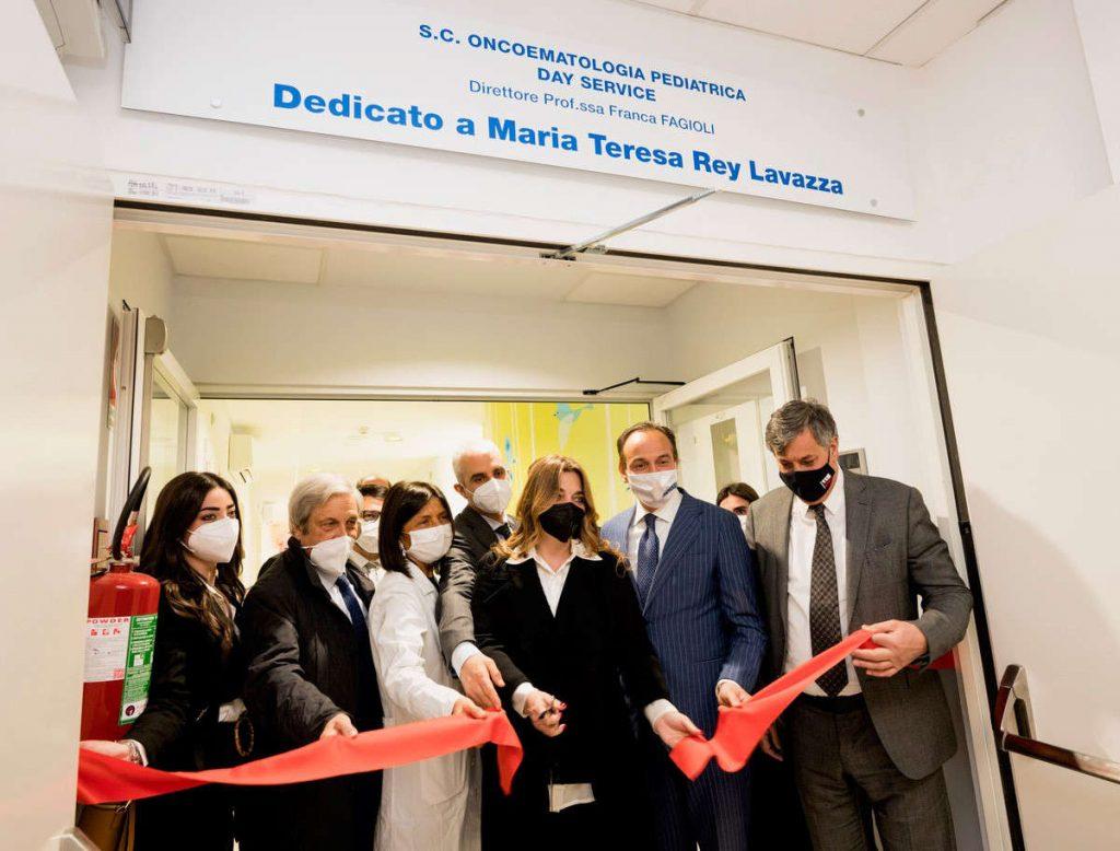 Il taglio del nastro per i nuovi ambulatori all'ospedale Regina Margherita di Torino