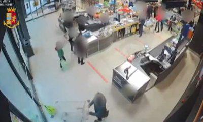 Rapina supermercato Aldi Torino