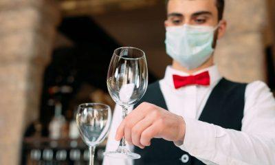 Riaprono bar e ristoranti