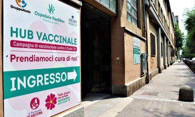 Hub vaccinale in corso Trapani a Torino
