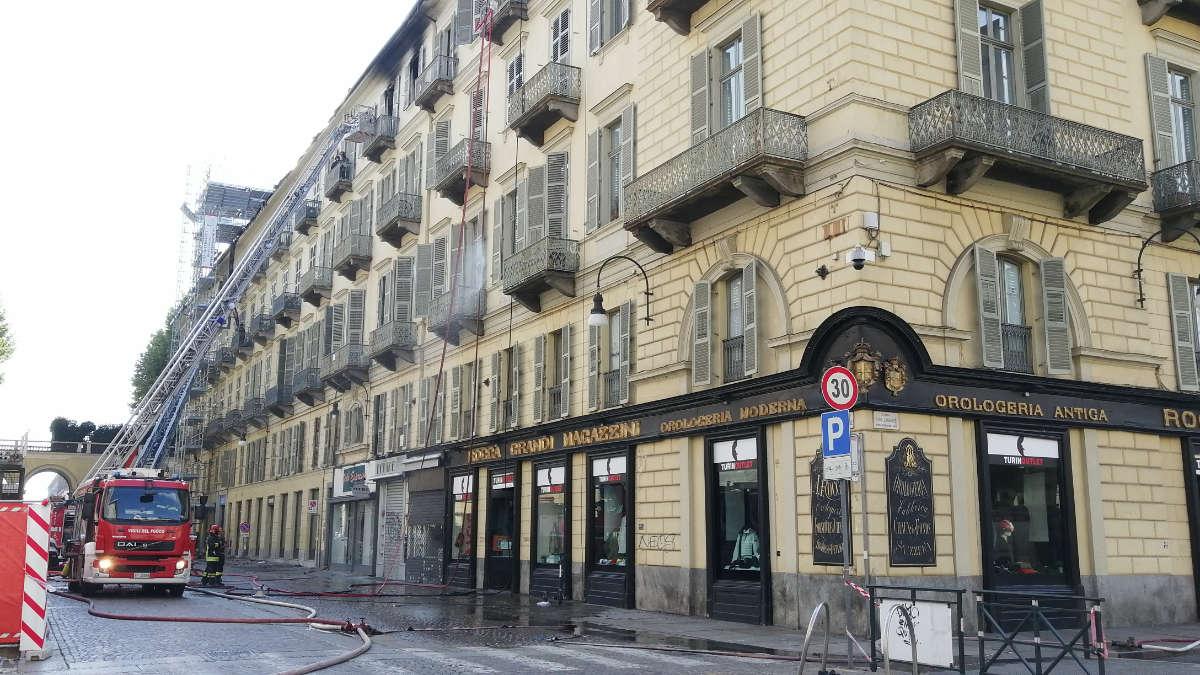 Incendio in centro a Torino